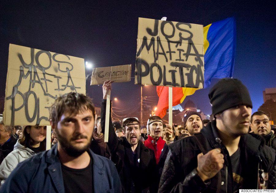 ルーマニアのナイトクラブ火災で45人死亡 反政府デモ「腐敗が殺した」(画像)