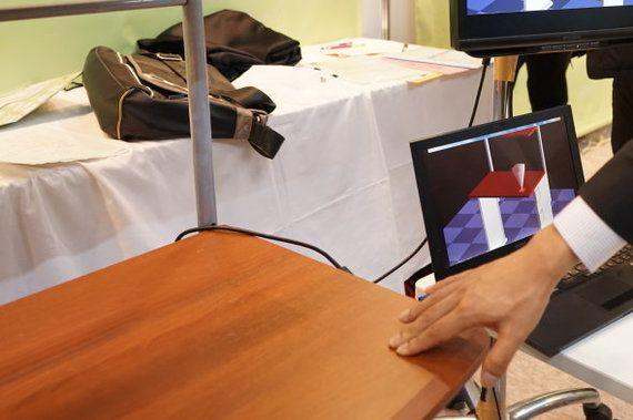 「触覚を持つ机」が開発される 触ったら何ができる?