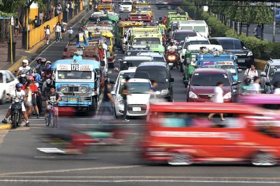 東アジア地域途上国の経済成長は2015年も堅調
