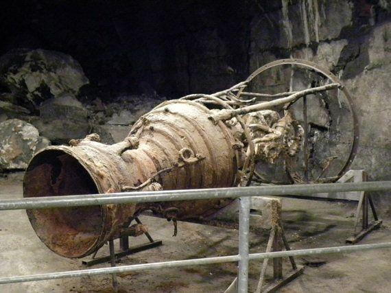 ドーラ強制収容所解放から70年 ナチスがV2号ミサイルを製造した地下工場