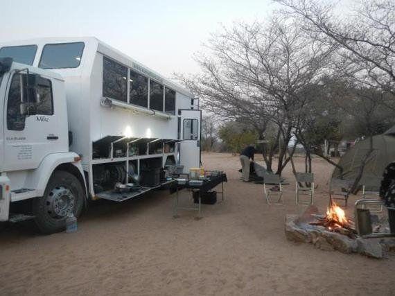 観光はアフリカを救うのか? 「ブッシュマン観光」をめぐる矛盾と希望