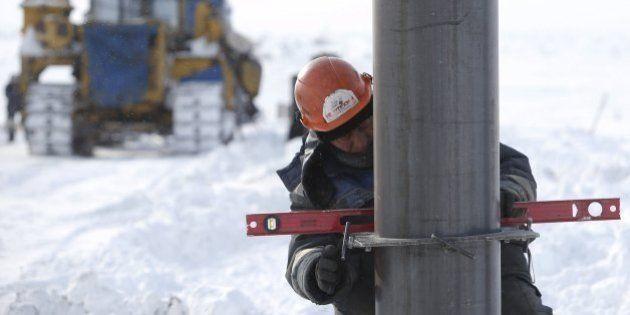 ロシアが大型油田投資で中国に接近、「アジア重視」の背景とは