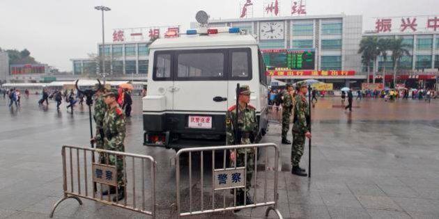 中国・広州駅で無差別切りつけ、9人負傷