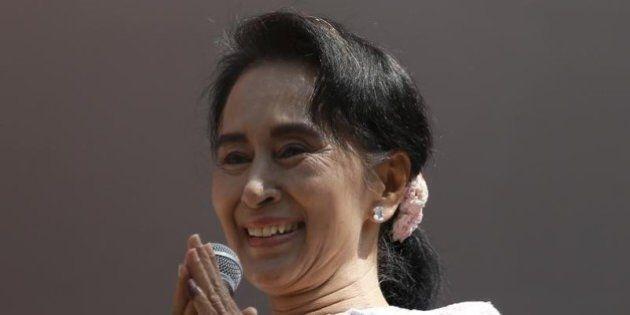 スーチー氏野党、次期政権樹立の見通し 大半の地域制す【ミャンマー総選挙】
