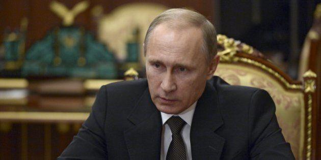 ロシア、トルコに経済制裁へ 軍用機撃墜で報復