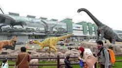 福井駅前がジュラシック・パークに 原寸大の恐竜が出現した理由とは