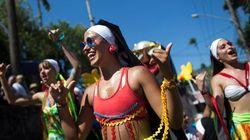 リオのカーニバル開幕、サンバの熱気がすごい【画像】
