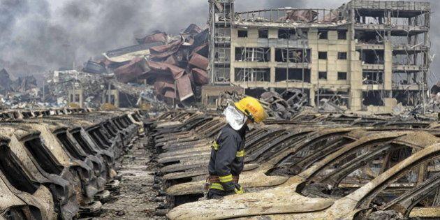 中国・天津の爆発事故、現場付近で4件の新たな火災が発生