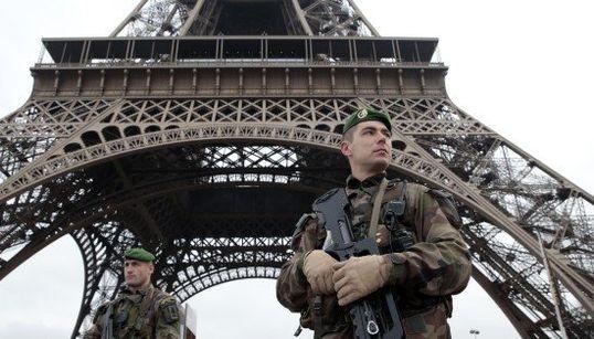 フランス新聞社襲撃 白昼のパリで起きた悲劇(画像)