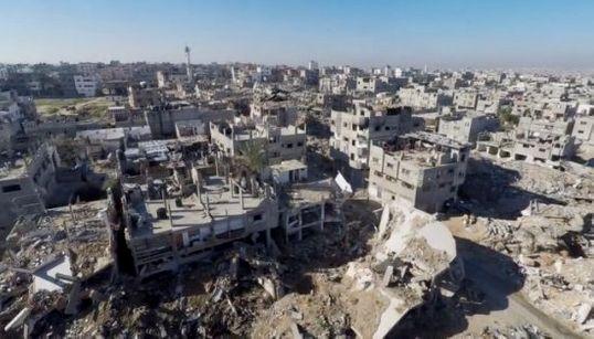 ガザはまだ苦しんでいる 空から見た街のすがた