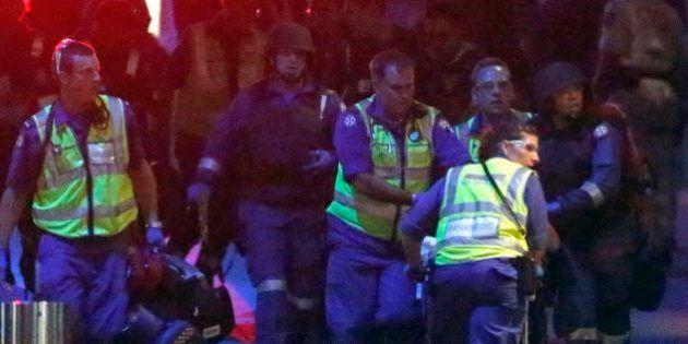 シドニー立てこもりで警官隊が突入 人質2人と容疑者死亡