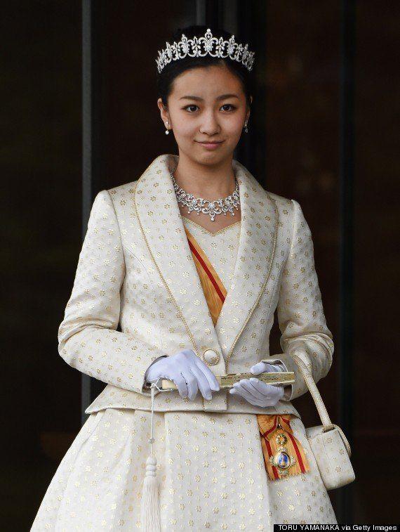 佳子さま、ティアラ姿で両陛下へあいさつ 20歳の誕生日【画像集】