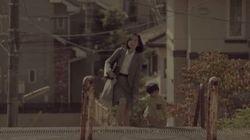「ママ......大丈夫?」働くママを応援した動画に目が潤む