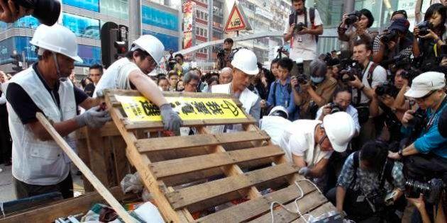 【香港デモ】九竜地区で民主派バリケードの撤去開始