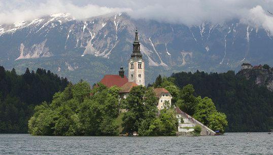 スロベニアのブレッド島で幸せをつかむ旅を【画像集】