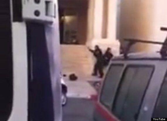 パレスチナ人がエルサレムの礼拝所に襲撃、宗教指導者や警官が死亡 イスラエル首相「戦争のまっただ中にある」