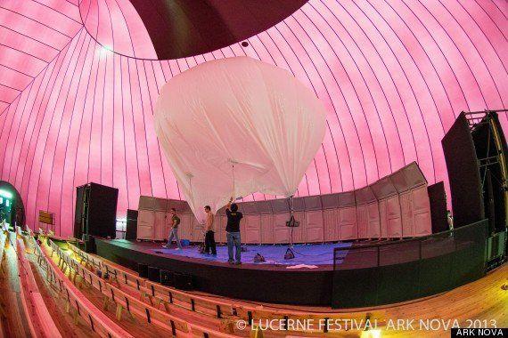 バルーン式ホールの「アーク・ノヴァ」、被災地で音楽祭