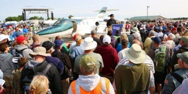 ホンダジェット量産1号機を初披露 世界最大級の航空ショー
