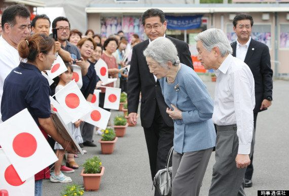 天皇皇后両陛下、南三陸町の仮設店街を視察 店主らを励ます「どうぞお元気で」【画像】