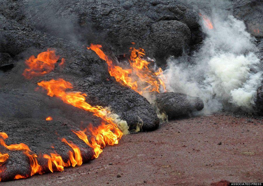 キラウエア火山の溶岩流、民家のみ込む ハワイ島【画像】