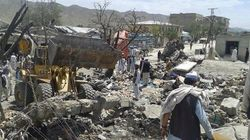 アフガニスタンの市場で自爆テロ、89人死亡 2014年に入って最悪規模