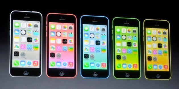 iPhone 5c 16時から予約開始 一部ショップは整理券配布