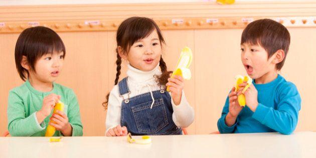5歳児の教育無償化、年収360万円未満世帯から実施へ 下村文科相「厳しい財政事情、ぎりぎりの水準」