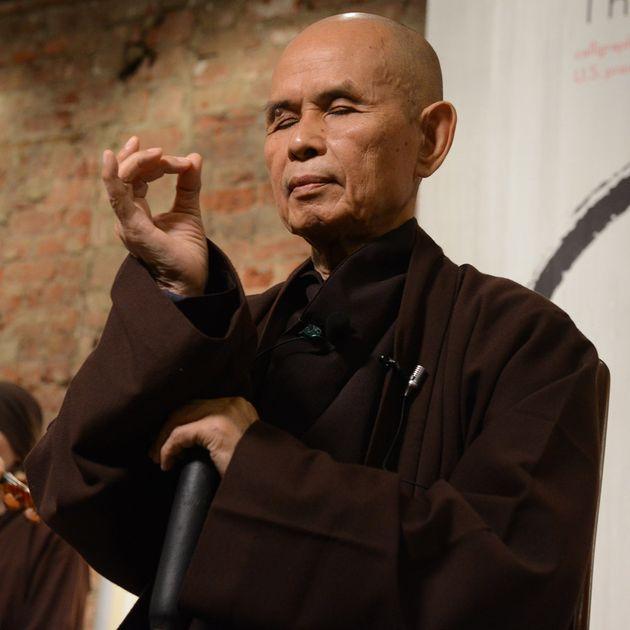 ノーベル平和賞候補になったベトナム禅僧による「英語書道」