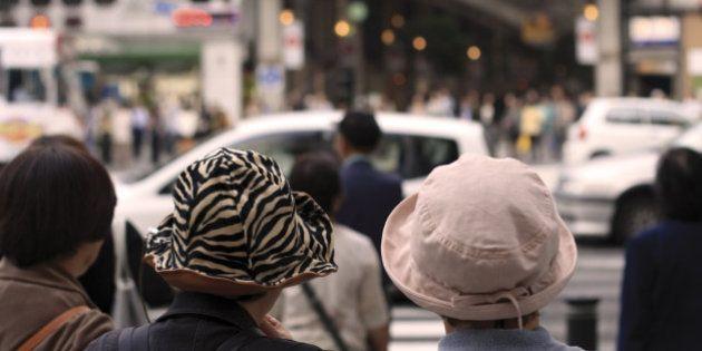 生活保護法「永住外国人は対象外」