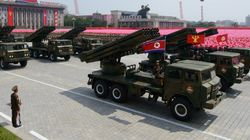 北朝鮮、放射砲100発を発射 日本海に向け