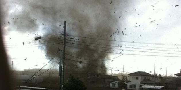 竜巻が埼玉・越谷で発生 けが人多数【画像・動画】(UPDATE)