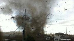 「まるで爆撃だ!」竜巻が埼玉・越谷で発生