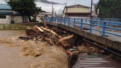 台風8号、関東・東北では10日夕方から雨強まる 鉄道レールが宙吊りになる地域も【動画・画像】