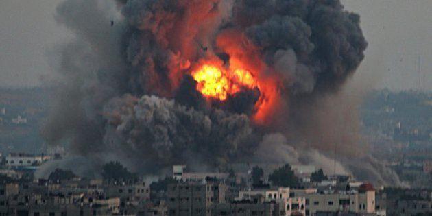 エルサレムにガザからロケット弾 対立激化、海からはハマス戦闘員が上陸