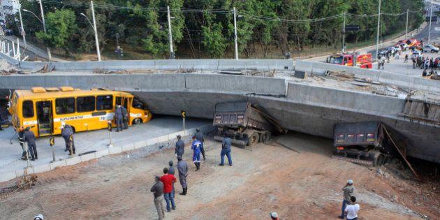 ワールドカップ開催都市で建設中の高架道路崩落、1人死亡・19人負傷
