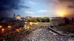 エルサレム、パリ、ロンドン、ニューヨーク。「昼の顔」と「夜の顔」を合成した写真がすごい