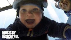 まさにご機嫌、ブランコに乗る赤ちゃん動画