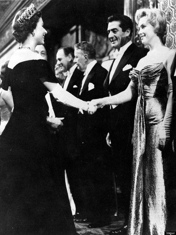 マリリン・モンロー、同い年のエリザベス女王と出会う【画像】