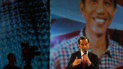 インドネシア大統領選、ウィドド氏勝利なら傀儡政権との見方