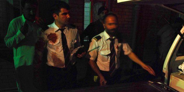 パキスタン航空機に銃撃、乗客の女性1人死亡 着陸の最中、乗務員3人負傷
