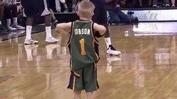白血病を患う5歳の少年、プロバスケット選手になってダンクを決める【動画】