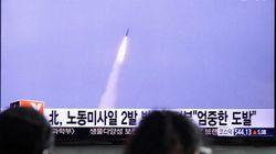 弾道ミサイル、北朝鮮から2発 500km飛び日本海に着弾