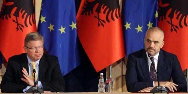 アルバニアがEU加盟候補国に 閣僚理事会で合意