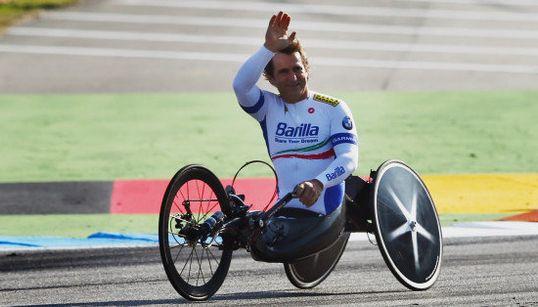 ザナルディ。元F1、両足切断、金メダル。不屈で、そして幸せな男【動画】