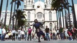 【サッカー】甲冑をまとったサムライがブラジル人を圧倒する動画がすごい