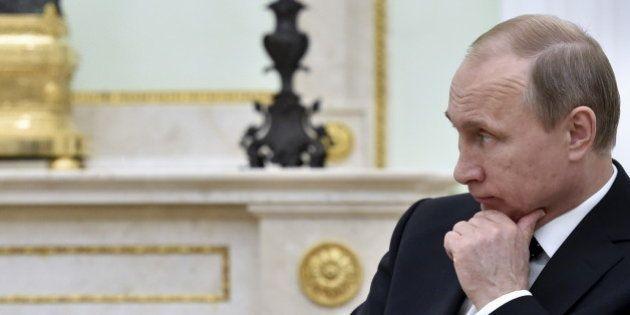 プーチン・ロシア大統領、FIFA幹部逮捕を非難 どうなる2018年ワールドカップ