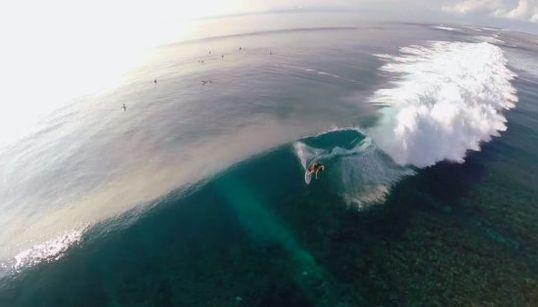 サーファー憧れの地、ムンタワイ諸島をドローンで空撮した動画がすごい【動画】