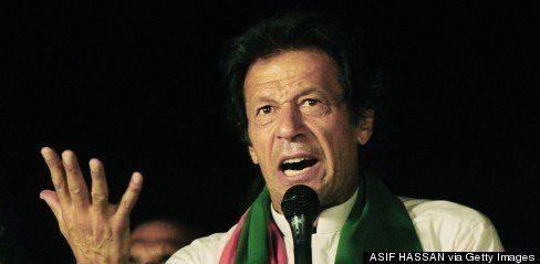 パキスタン首都でデモ隊と警官隊が衝突、3人死亡700人負傷