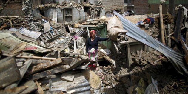 ネパールの新たな地震、死者は少なくとも66人に アメリカ海兵隊ヘリ失踪