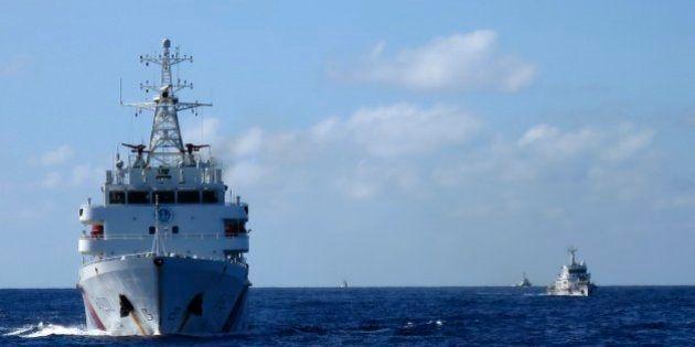 南シナ海の危険な「追跡合戦」